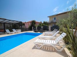 Apartments Villa Rivarella, apartment in Novigrad Istria