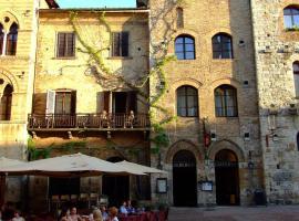Hotel La Cisterna, hotel in San Gimignano