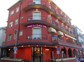 Hotel La Dolce Vita, hotel in Rimini