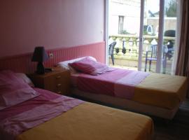 Hotel Le Cargo, hotel in Rochefort