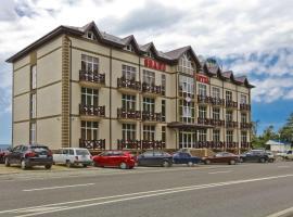 Riviera Grand Hotel, hotel in Lermontovo