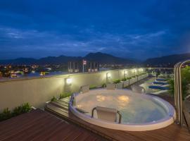 Hampton By Hilton Yopal, отель в городе Йопаль