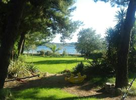 Apartments Little Castle, hotel in Vodice