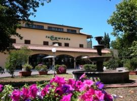 Residence Hotel La Commenda, hotel in Montefiascone