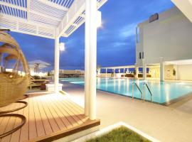 Kameo Grand Hotel & Serviced Apartment, Rayong, serviced apartment in Rayong