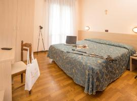 Hotel Trevi, hotel en Lido di Jesolo