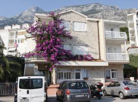 Apartments Lidus, guest house in Makarska