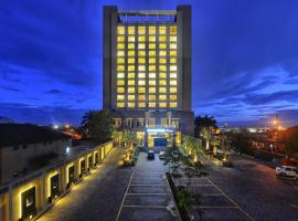 DoubleTree By Hilton-Pune Chinchwad, hotel with pools in Pune