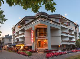 Tauras Center Hotel, hotel in Palanga