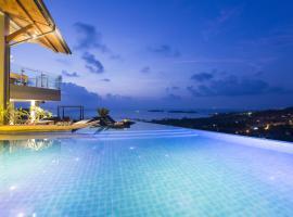 Villa Skyfall, hotel en Choeng Mon Beach