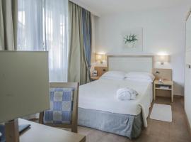 Hotel Dany, hotel in Marina di Massa
