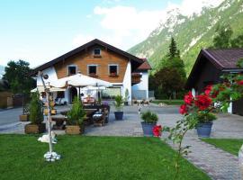 Hotel Garni Gästehaus Edlhuber, guest house in Mittenwald