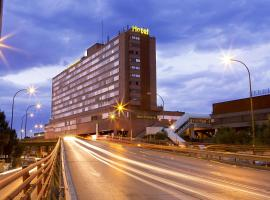 Hotel Chamartin The One, hotel en Madrid