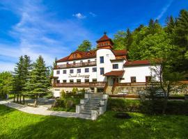 Dworek Szwajcaria – hotel w pobliżu miejsca Wyciąg narciarski Mały Rachowiec w Zwardoniu