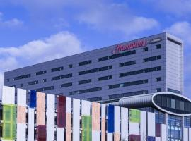 Hampton by Hilton Liverpool John Lennon Airport, hotel near Cheshire Oaks Designer Outlet, Speke