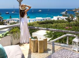 Bay Bees Sea View Suites & Homes, serviced apartment in Platis Gialos