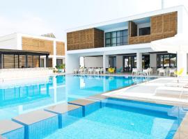 """The Oak Hotel, hotel near Kavala International Airport """"""""Megas Alexandros"""" - KVA, Keramotí"""