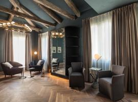 Liassidi Wellness Suites, hotel in Venice
