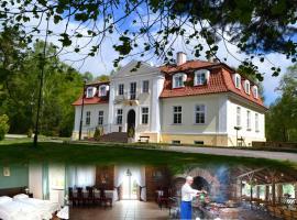 Hotel Księżycowy Dworek, family hotel in Kętrzyn