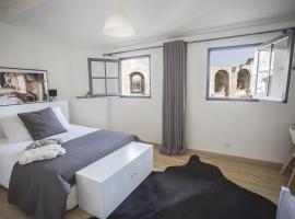 Arles Hideaway - Le Duplex des Arènes, apartment in Arles