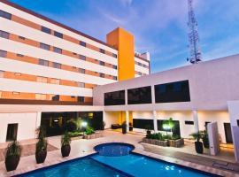 Megal suites hotel, hotel in Ciudad del Este