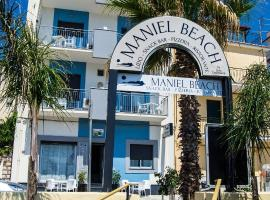 Maniel Beach Hotel, hotell i Letojanni