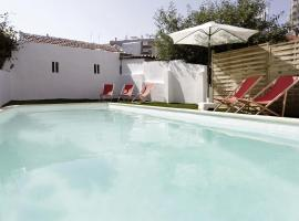 Water and Sun Studio, hotel with pools in Lisbon