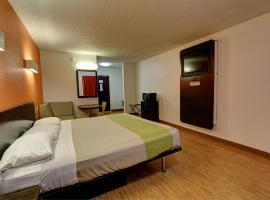 Motel 6-Houston, TX - Hobby, hotel near William P. Hobby Airport - HOU, Houston