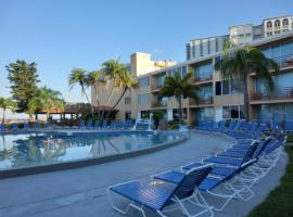 Dolphin Beach Resort, hotel in St Pete Beach