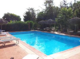 Casa Vacanze I Piani, hotel in zona Necropolis of Anghelu Ruju, Olmedo
