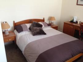 Victoria hotel, hotel near Ewloe Castle, Holywell
