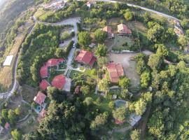 Tzivaeri, hotel near Macedonian Tombs of Komnina, Likodhrómion