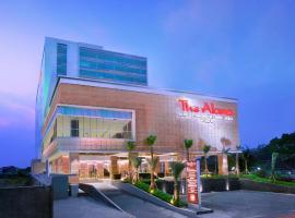 The Alana Hotel & Convention Center Solo by ASTON, hotel in Solo
