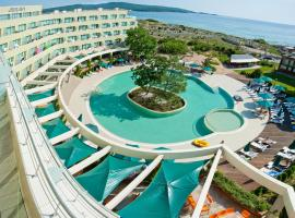 Jeravi Club Hotel - All Inclusive, отель в Приморско