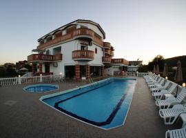 Hotel Alexandros, hotel near Sarakiniko beach, Ammoudia