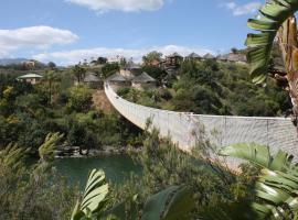 Hotel Selwo Lodge - Animal Park Tickets Included, hotel in Estepona