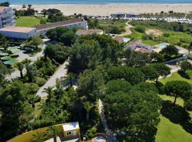 Pestana Delfim Beach & Golf Hotel, hotel cerca de Playa de Alvor, Alvor