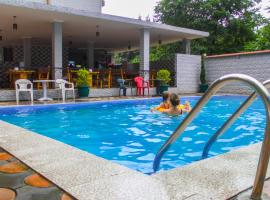 Hulus Hotel: Batum'da bir otel