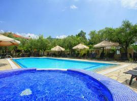 Saily Beach Hotel, hotel in Koropi