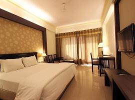 Shiva Oasis Resort, hotel with pools in Neemrana