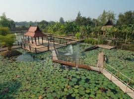 Ayutthaya Garden River Home, hotel in Ban Bang Krasan