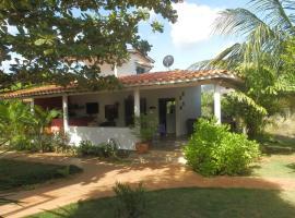 Posada Casa Las Trinitarias, inn in Paraguachi