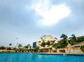 Oak Plaza Hotels East Airport, hotel in Accra