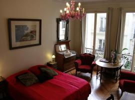 A Room In Paris, hotel near Gare du Nord Metro Station, Paris
