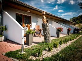 Penzion Proneco, hotel v destinácii Klentnice