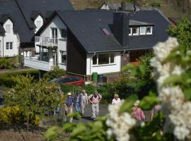 Weingut im Moselkrampen, Ferienwohnung in Ellenz-Poltersdorf