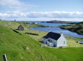 Harris White Cottage, hotel in Rodel