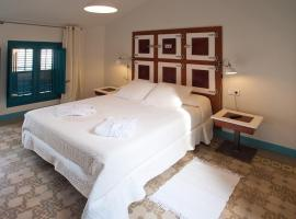 Hotel Hostal Chic, B&B in Sant Feliu de Guíxols