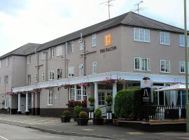 The Falcon Hotel, hotel in Farnborough