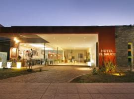 Hotel El Sauce, hotel in Santa Rosa de Calamuchita
